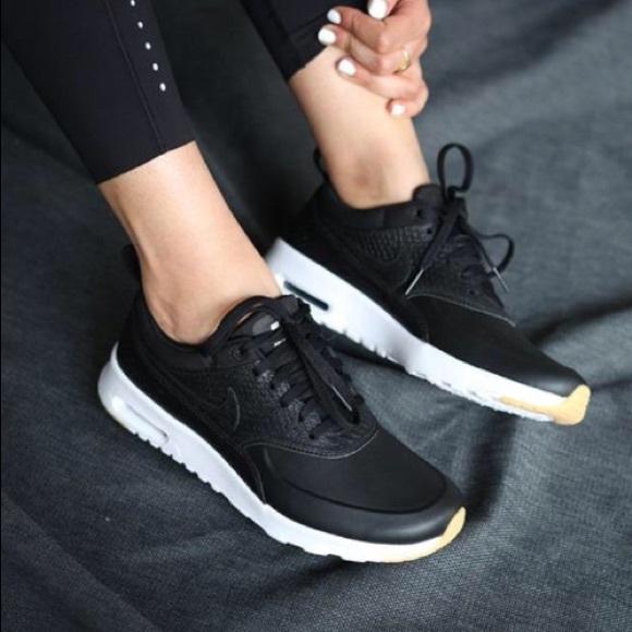 Women's NIKE AIR MAX THEA Premium sneakers size7.5